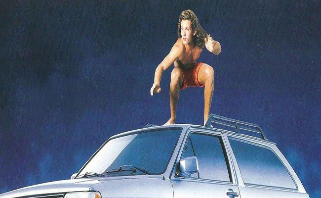 Surf en techo de coche
