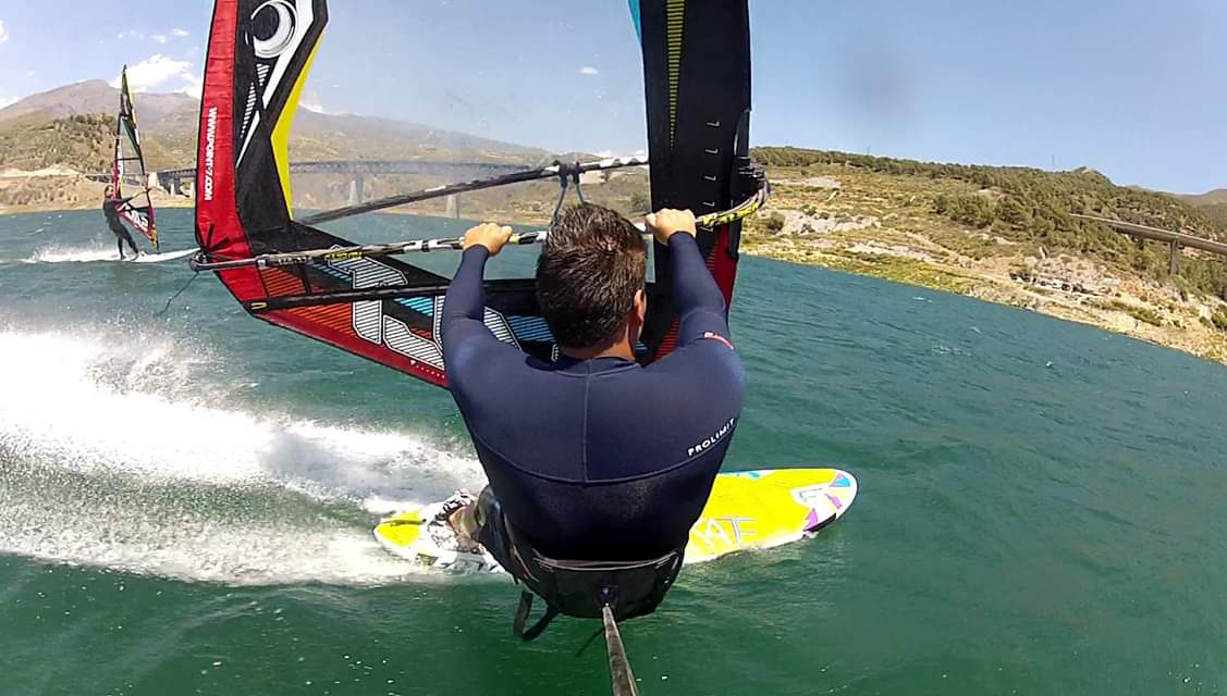 windsurf embalse de rules