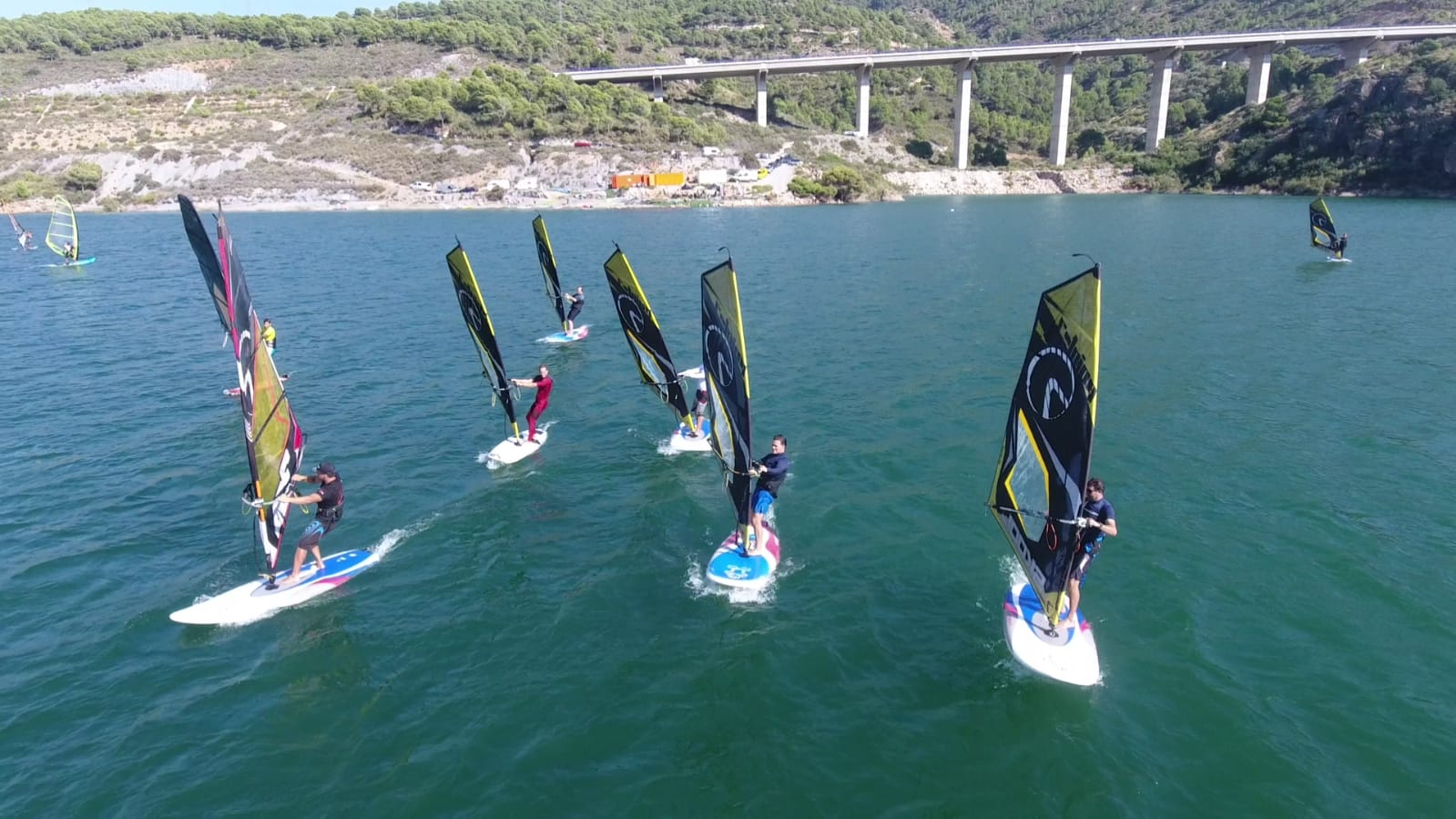 windsurf embalse rules